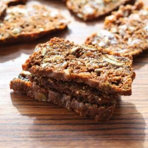 Apricot Pecan Crisps | PERFECT snack attack solution. Even better on a cheese tray! www.LiveBest.info