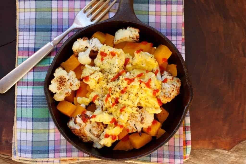 cast iron skillet with Cauliflower Squash Breakfast Skillet |www.LiveBest.info