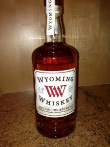 Wyoming Whiskey | Wyoming resident and author of Your 6-Week Guide to LiveBest shares favorite things to do in Casper. www.LiveBest.info
