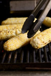 ears of corn on the grill